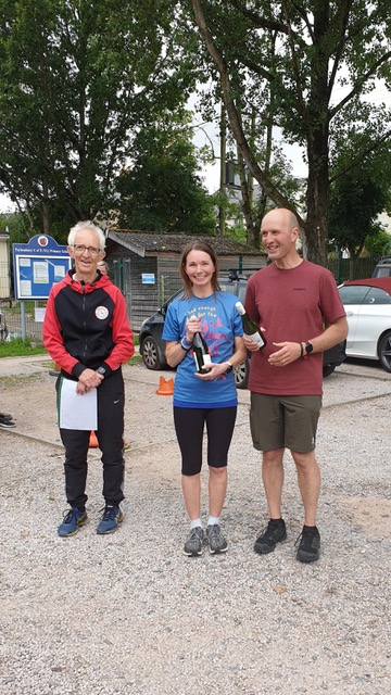 Ceri and Warren Oak won the mixed team prize in a time of 1:38:48